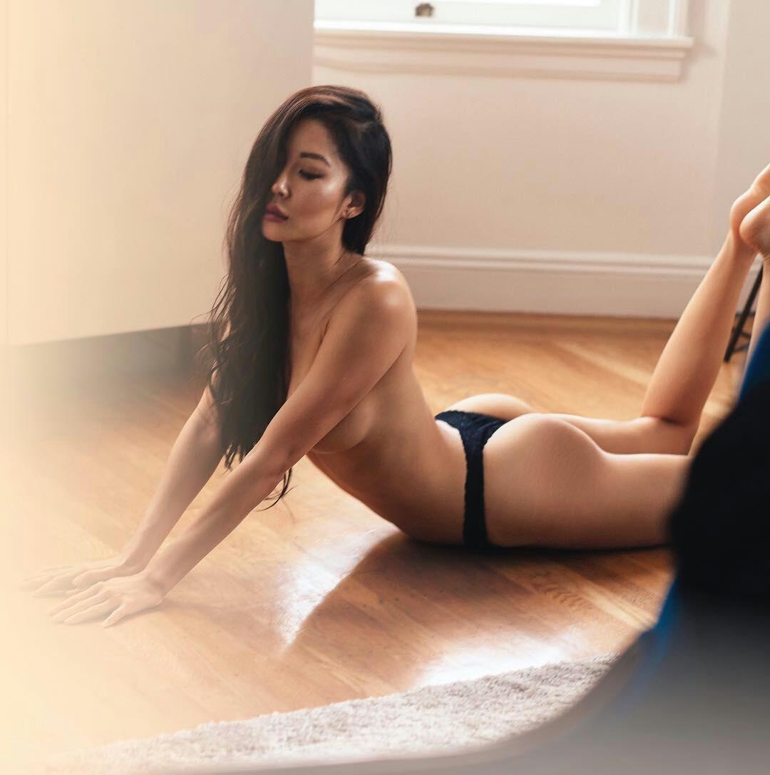 Коллекция симпатичных азиаток с громадными буферами. Порно симпатичный.