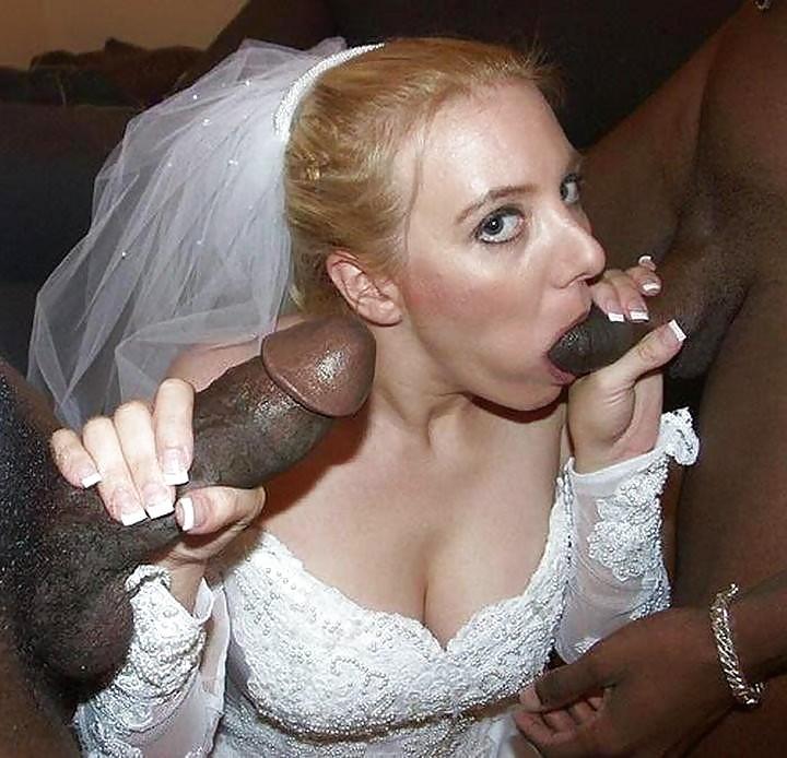 Черные стволы африканцев входят во мокрые щели белых тёлок. Порно ствол.