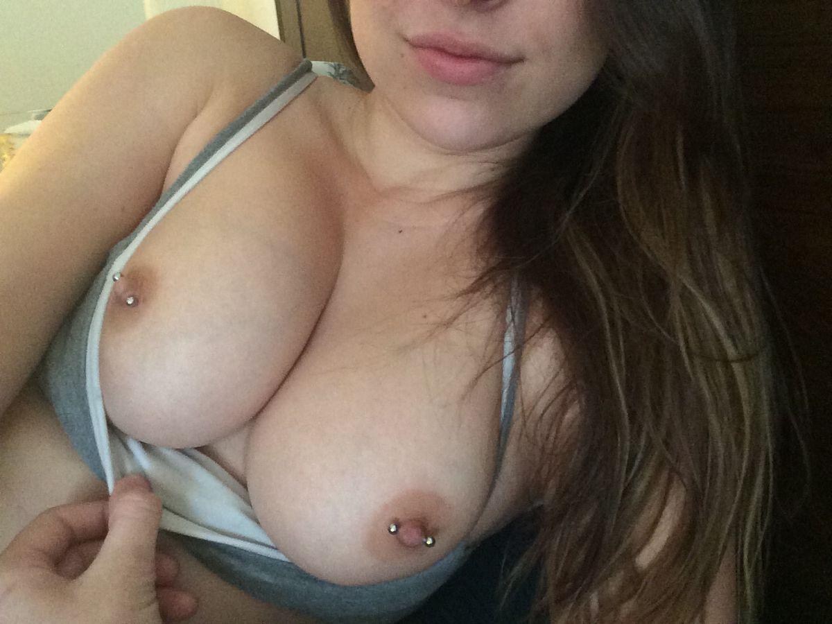 Огромные сисяндры разнообразных девок с симпатичными сосочками. Порно сисяндры.