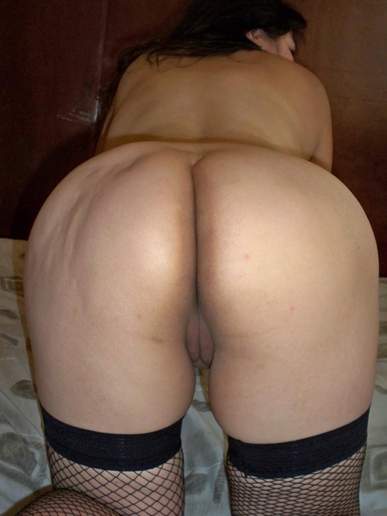 Классная сестра всегда найдет, чем порадовать мужа, будь это утренний минет или новое белье. Порно сестра.