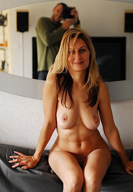 Голые телки с великолепной грудью. Порно телка.