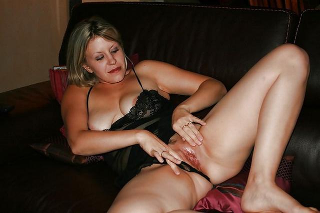 Этим шлюхам есть что продемонстрировать xxx фото. Порно шлюха.