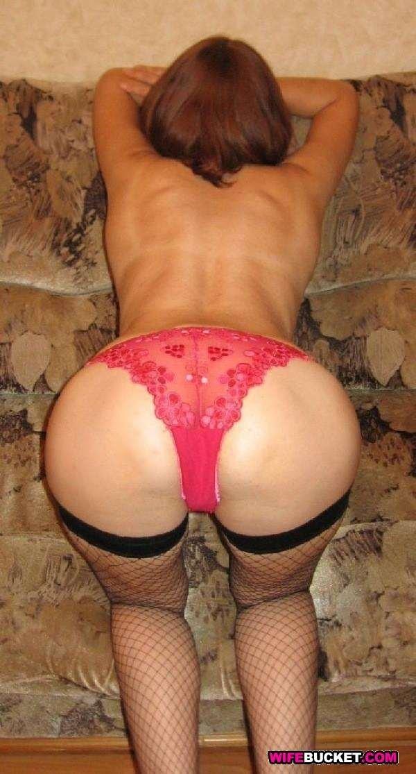 Частные изображения барынь с оголенными интимными частями тела. Порно частное.