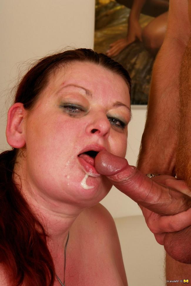 Сынок жарит свою мать толстушку секс фото. Порно ебет.