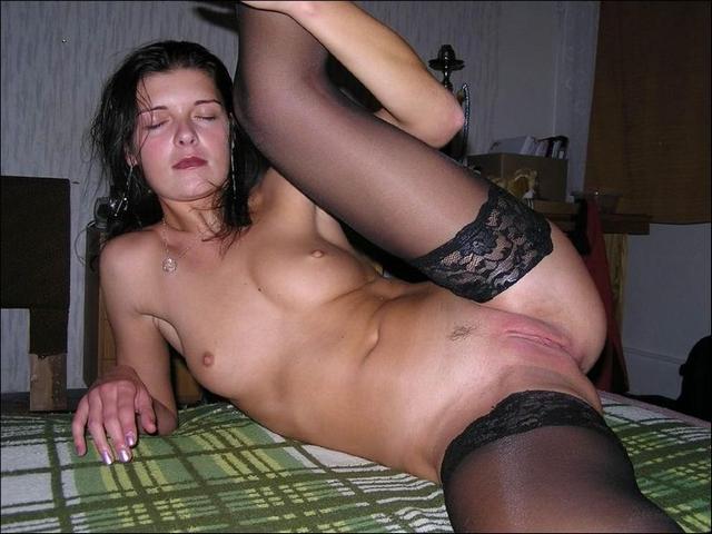 Роскошные зрелки растопыривают ноги ххх фото. Порно зрелки раздвигают.