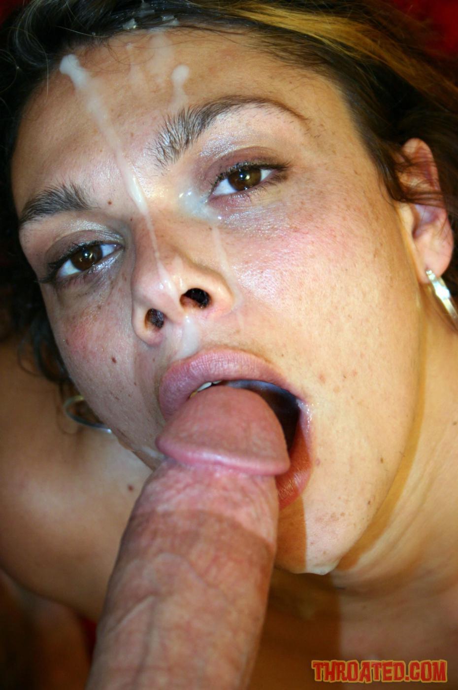 Isabella Stanza подставила лицо под фонтаны спермы после глубокой работы ртом и растопыривает свои ноги. Порно Isabella.