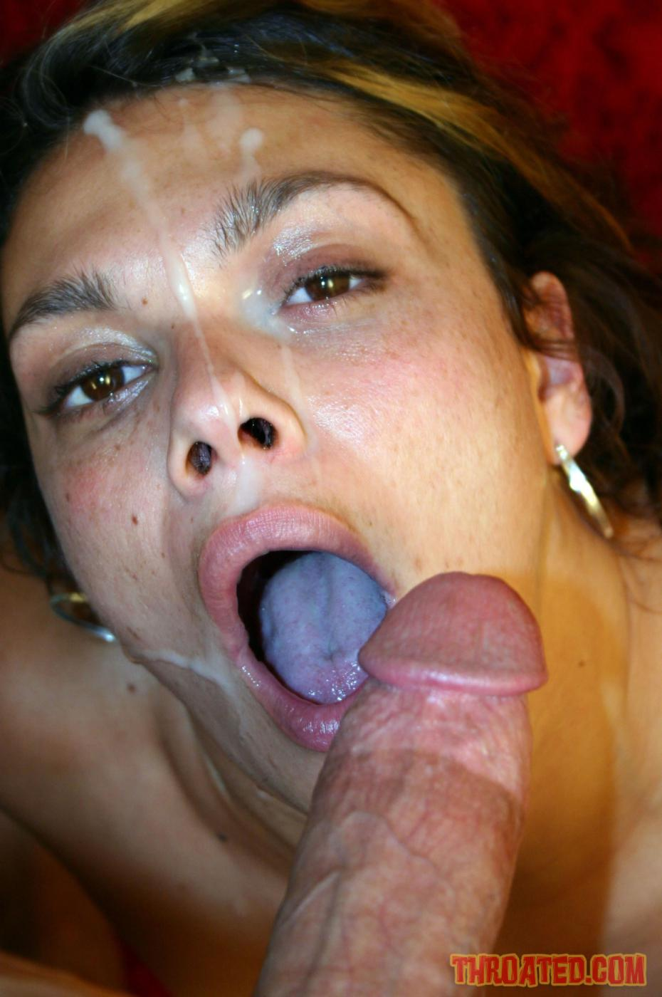 Isabella Stanza подставила лицо под фонтаны спермы после глубокой работы ртом и растопыривает свои ноги. Порно stanza.