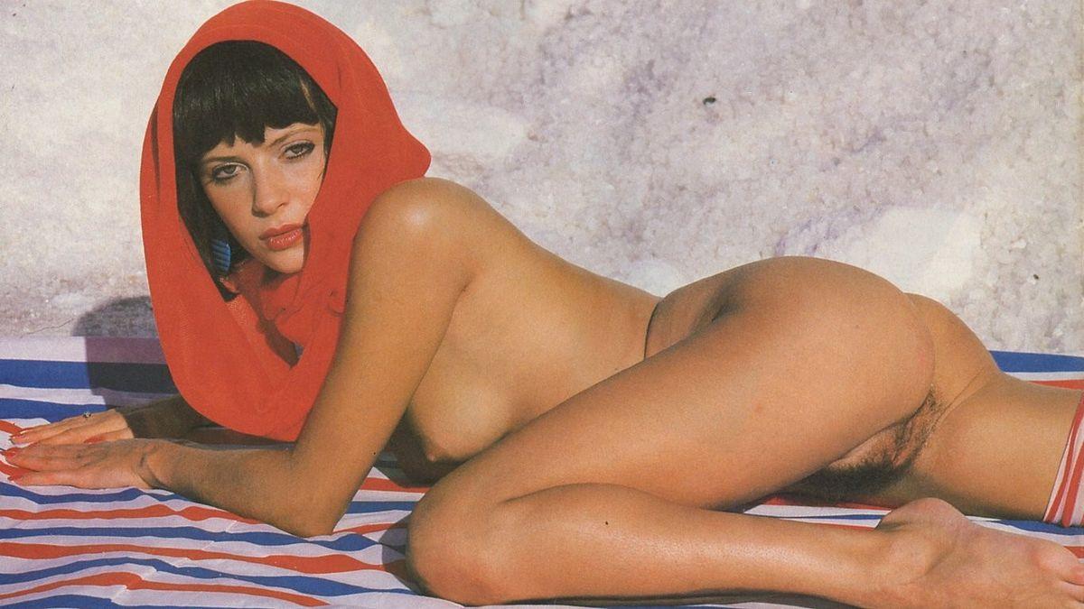 Диана Фуллертон фотографируется для журнала. Порно фуллертон.